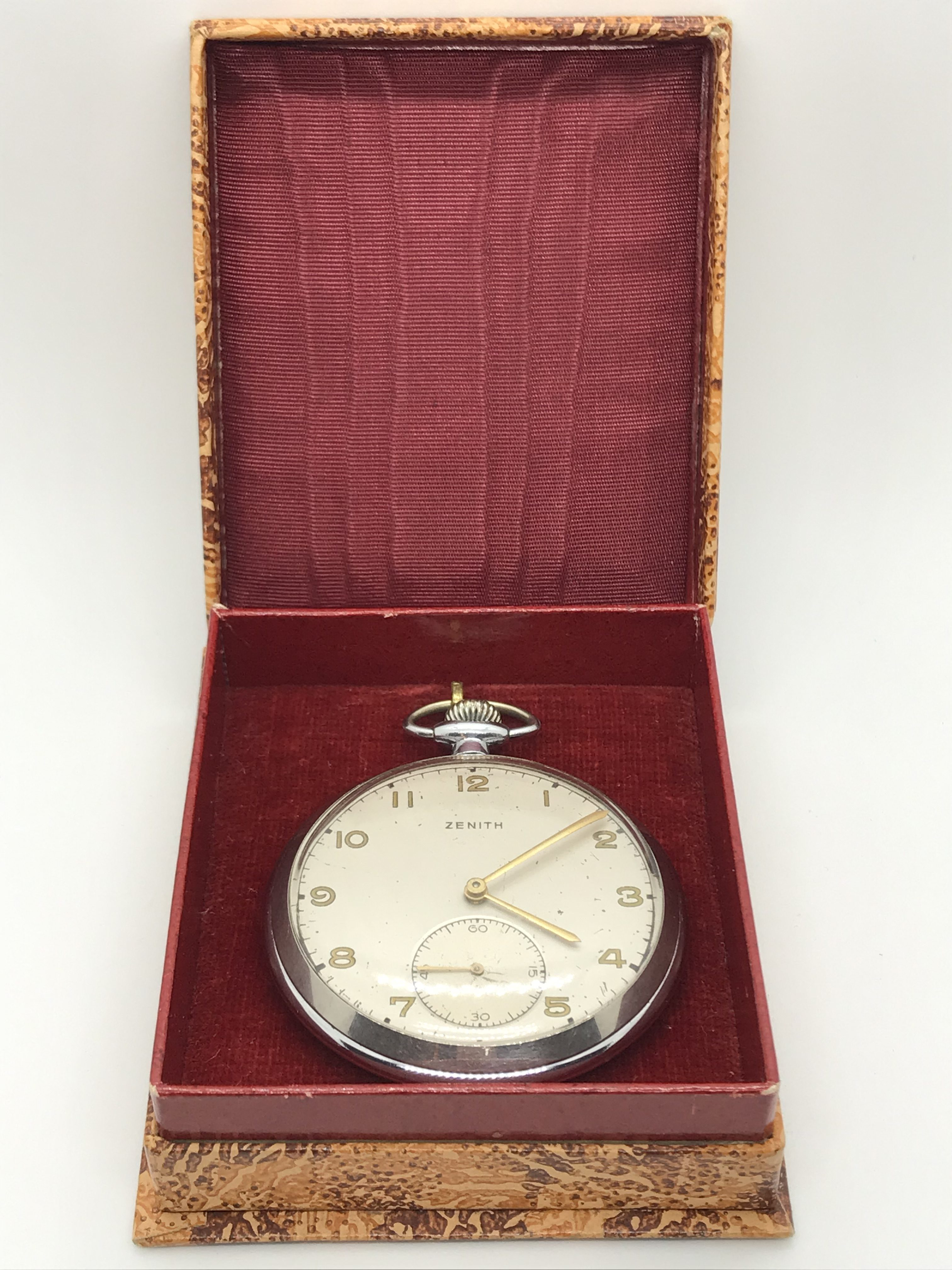 Domů Kapesní hodinky Starožitné 1 plášťové ocelové hodinky Zenith 5ec58067ad